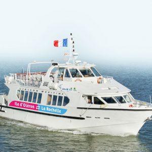 Relance économique : la communauté de communes de l'île d'Oléron invite la population à utiliser la liaison maritime Oléron-La Rochelle et réduire l'usage de la voiture individuelle !